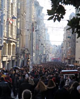 Istanbul: Groß, hektisch, laut, spannend, billig, teuer – mit wenigen Worten nicht zu beschreiben